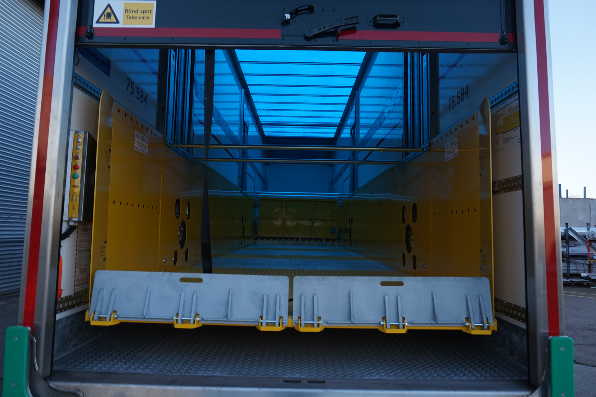 Box Van Lifting Deck Trailer