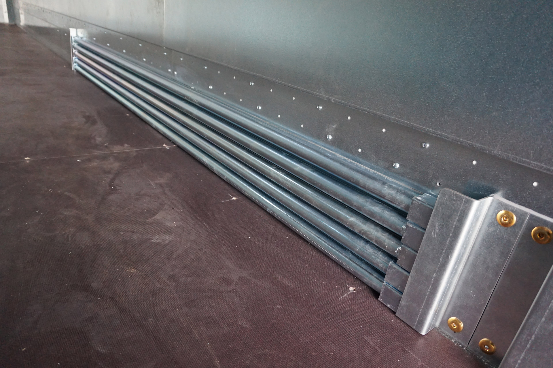 Box Van Rigid Load Restraint Bars