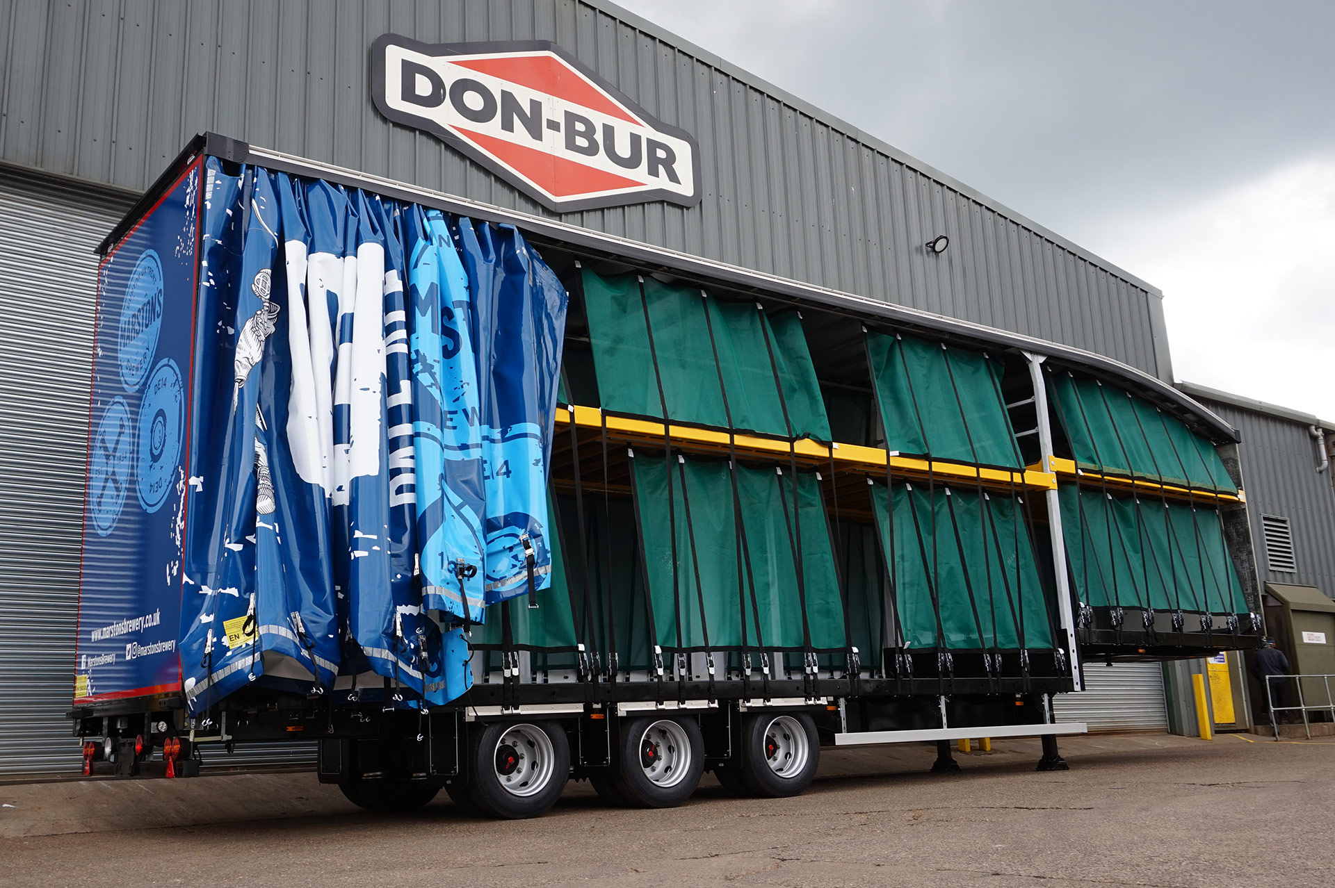 Curtainsided Double Deck Trailer