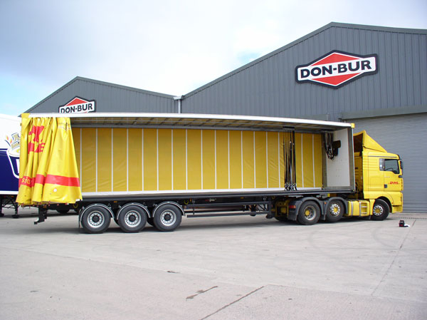 Pillarless Curtainsider