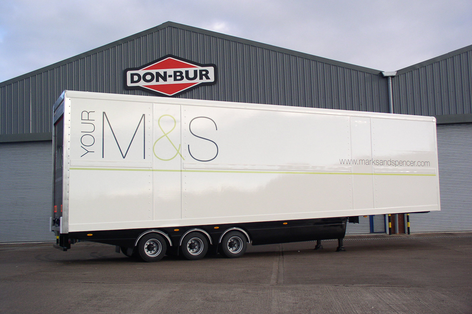 M&S Wedge Double Deck Trailer