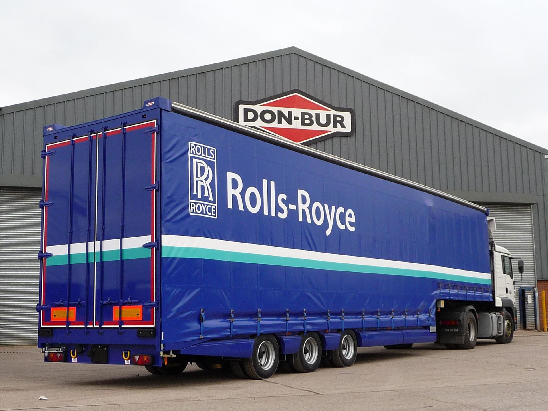 Rolls Royce Lifting Deck Trailer