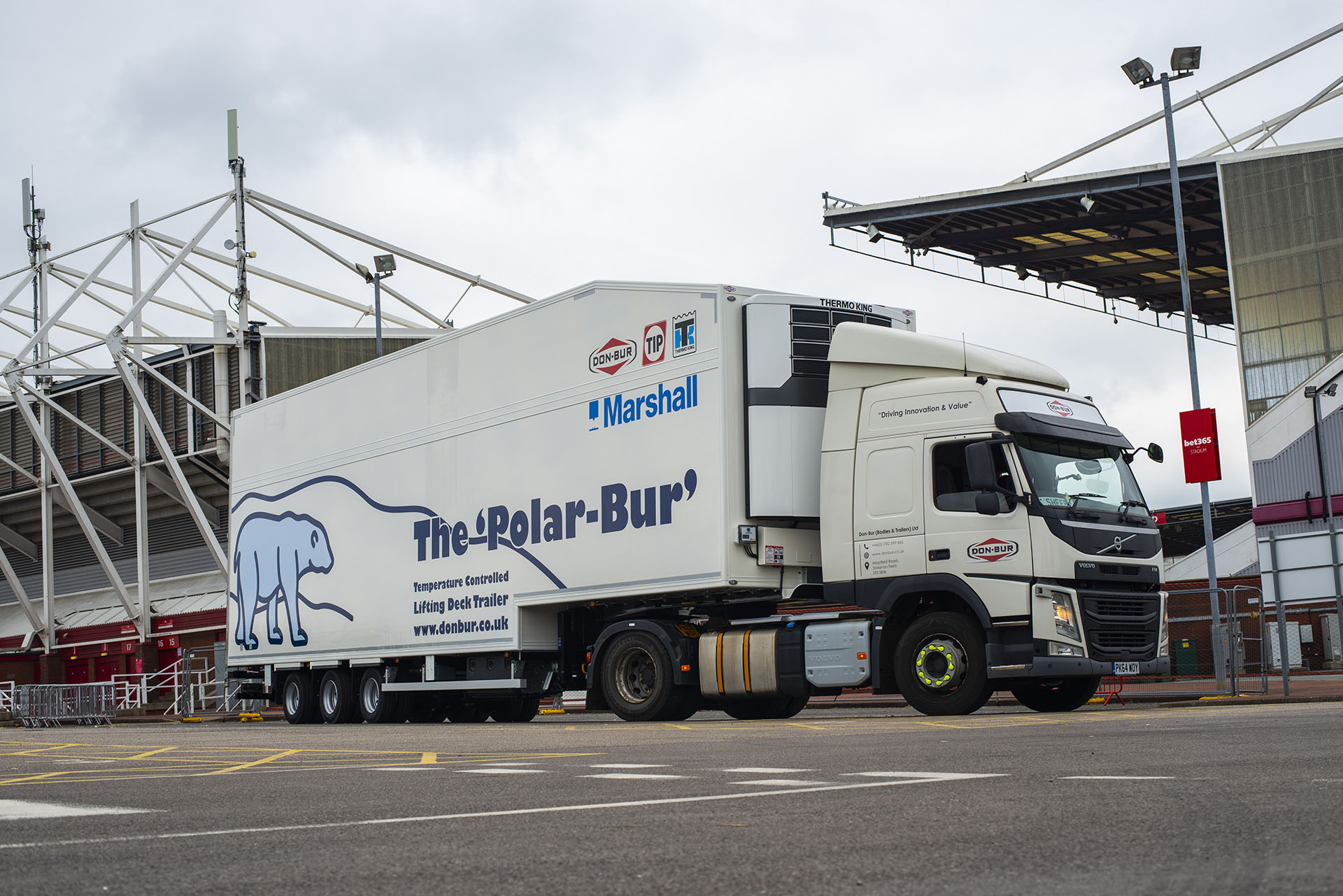 Don-Bur's new 'Polar-Bur' trailer makes its UK and European debut with TIP Trailer Services
