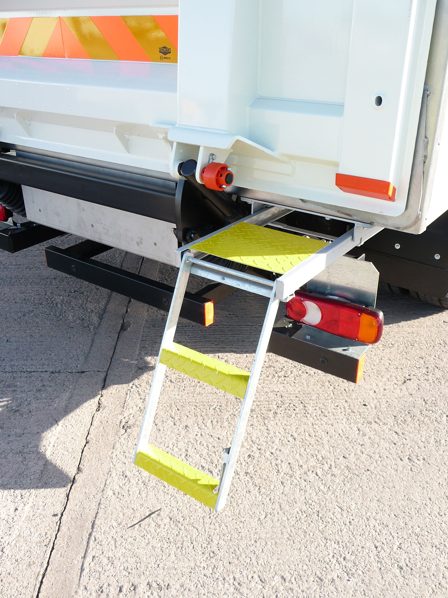 2 Rung Pull-Out Drop-Down Step With Platform