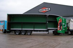 Pets At Home Curtainsided Double Deck