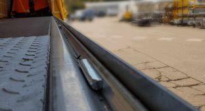 Steel Sheet Chock Rail photo