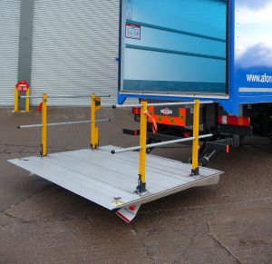 Cantilever Tail-Lift photo