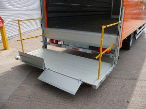 https://www.donbur.co.uk/gb-en/images/uploads/taillift-column-open.jpg